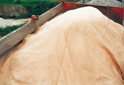 Light heat-resistant tarpaulin jute cover 305g /m²
